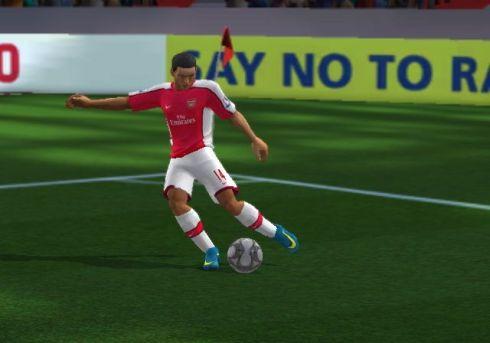 Como vemos en esta imagen, los gráficos han mejorado levemente respecto a FIFA 09